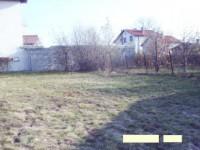 Алдомировци – парцел с жилищен контейнер на 15мин. от София