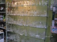 Стъклени витрини, стелажи, рафтове и други